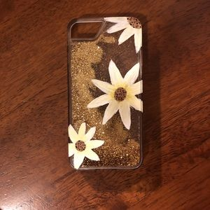 iPhone 6/7/8 case! Hand painted Daisy's! ❤️